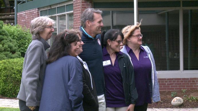 Olympic champion Dan Jansen visits Hubbard Hill